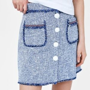 ZARA MINI SKIRT WITH BUTTONS SIZE - M